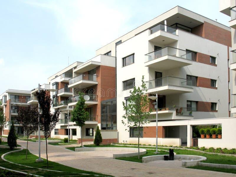 Komplex von Wohnungen stockfoto