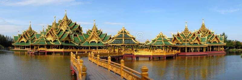 komplicerat tempelvatten royaltyfri foto