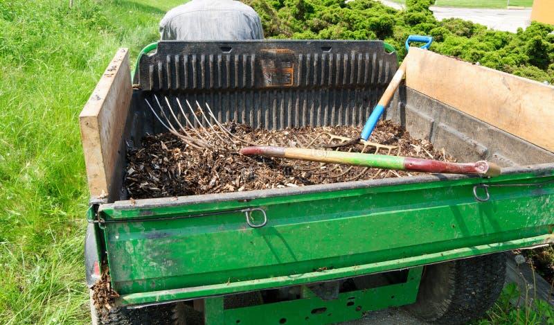 komposttäckningsläp arkivfoto