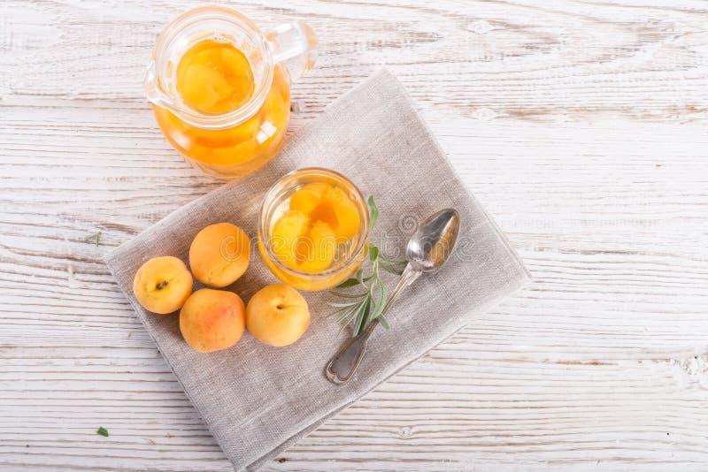 Kompot - cocktail de fruto fotos de stock