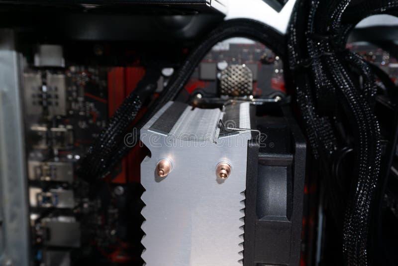 Komputerowy mainboard instaluje instalować głównej deski deskę zdjęcie stock