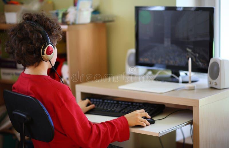 komputerowy używać dzieciaka fotografia royalty free