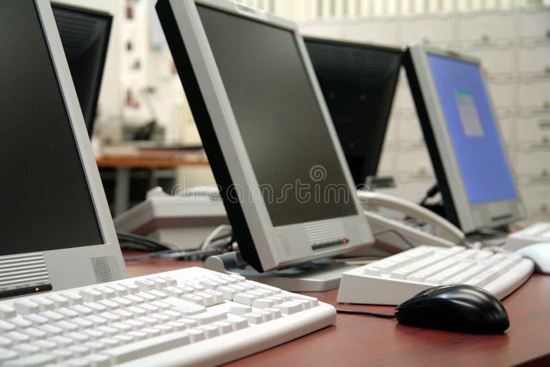 komputery biurowe zdjęcia royalty free