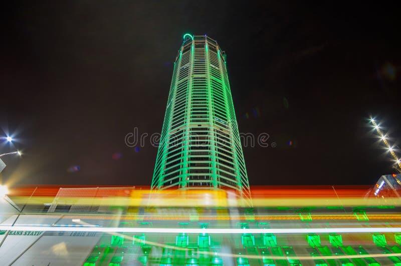 Komtar塔-摩天大楼和建筑地标夜视图乔治市市,马来西亚 库存照片