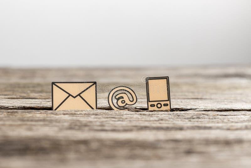 Komunikaci biznesowej pojęcie z trzy ikonami obraz stock