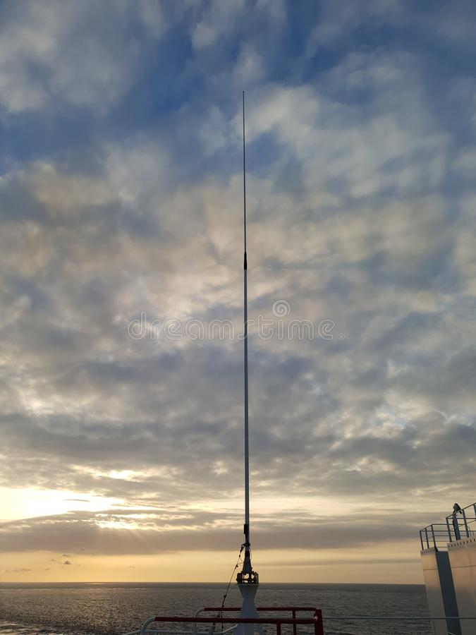 Komunikacja jest everything! VHF antena obrazy stock