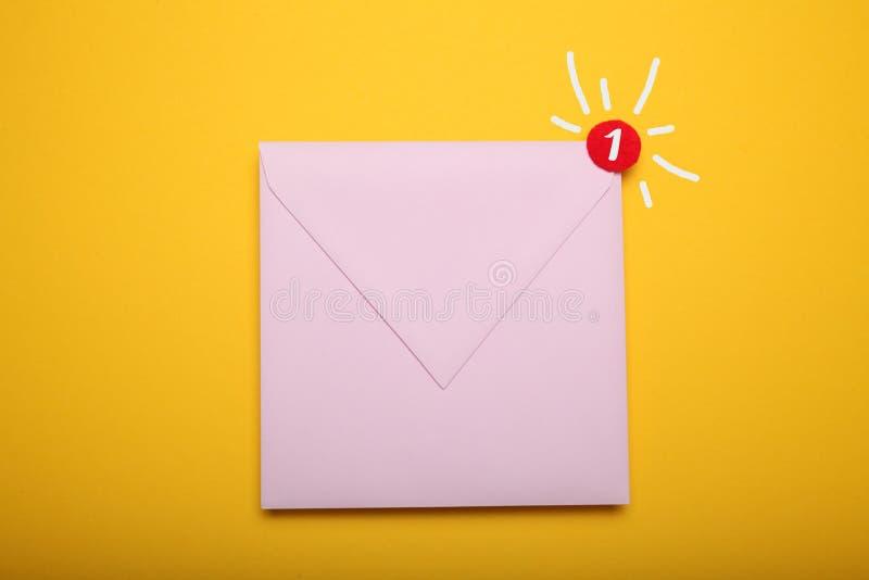 Komunikacyjny emailing, nowa sms wiadomo?? Biznesowego adresu doczepianie obrazy royalty free