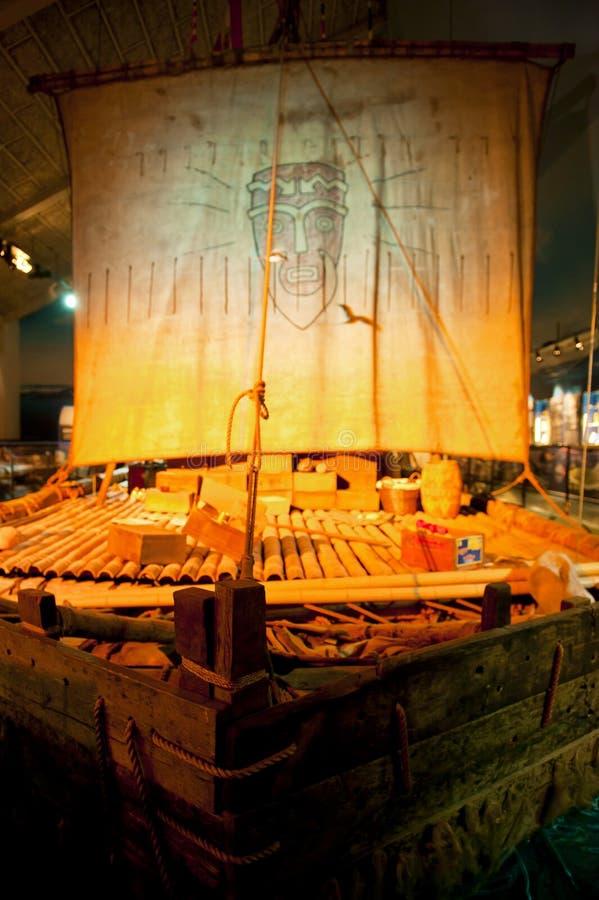 Kon-Tiki Raft original en Kon-Tiki Museum en Oslo imagen de archivo