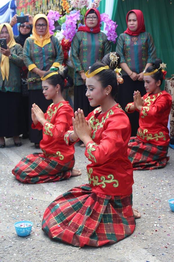 Konawe традиционного танца kepulauan стоковые изображения
