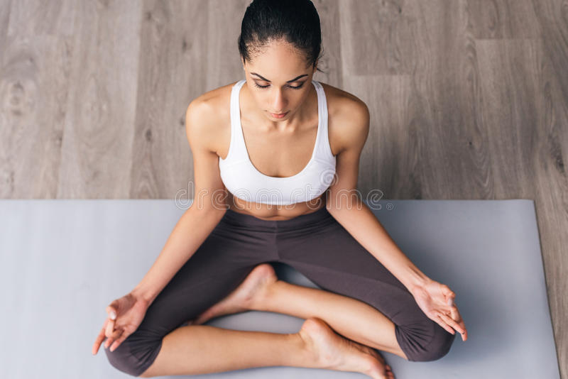Koncentracja i medytacja zdjęcie royalty free