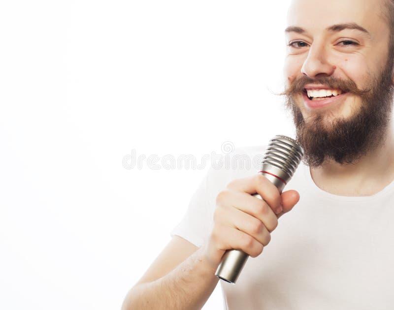 Download Koncepcja Go żywego Muzyka Wściekłość Piosenkarz Mikrofonu Zdjęcie Stock - Obraz złożonej z mikrofony, broda: 53787994