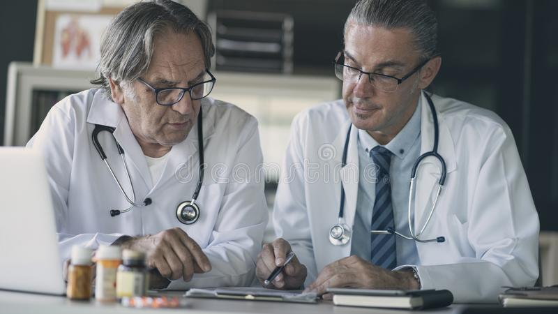 Koncepcja medyczna obrazy royalty free
