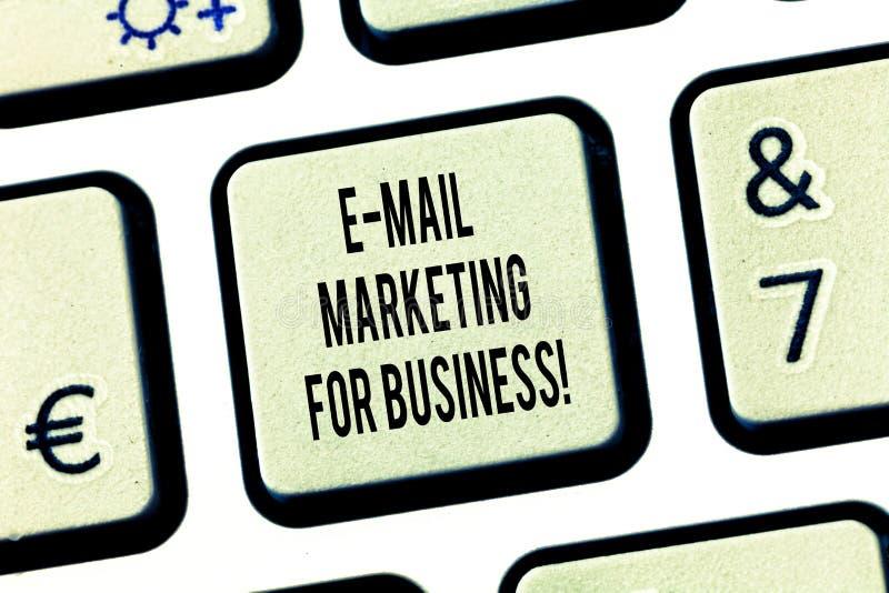 Konceptualna ręka pisze Dla biznesu pokazywać e-mailowy marketing Biznesowy fotografia teksta opancerzanie jako kampania reklamow zdjęcie royalty free