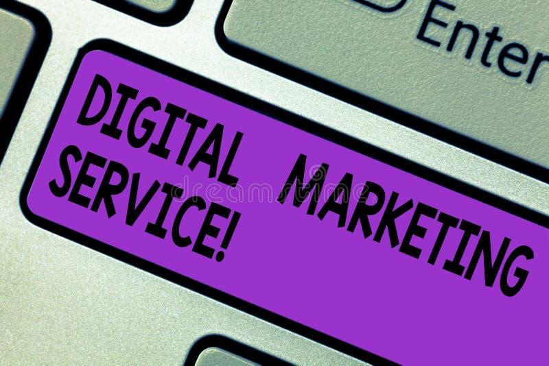 Konceptualna ręka pisze pokazywać Cyfrowego marketingu usługi Biznesowy fotografia tekst usługuje używać cyfrowych kanały dosięga ilustracji
