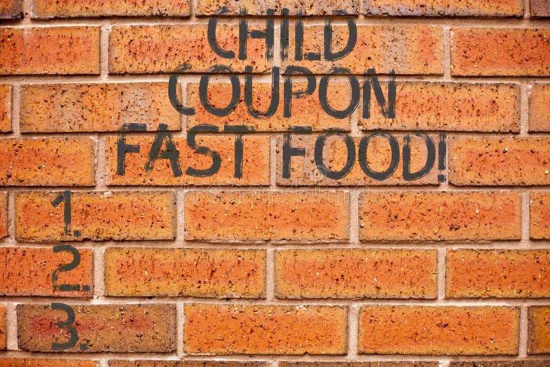 Konceptualna ręka pisze pokazywać dziecko talonu fast food Biznesowa fotografia pokazuje biletów oszczędzań dżonki dyskontowych p zdjęcia stock