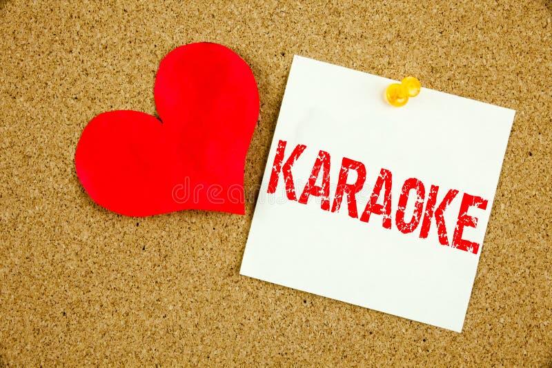 Konceptualna ręki writing teksta podpisu inspiracja pokazuje karaoke pojęcie dla Śpiewackiej karaoke muzyki i miłości pisać na kl obrazy royalty free