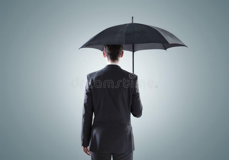 Konceptualny obrazek smutny biznesmen zdjęcia royalty free