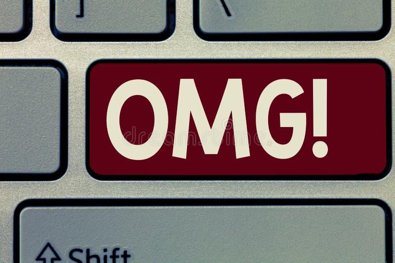Konceptualny ręki writing pokazuje Omg Biznesowy fotografii pokazywać Używać wyrażać szoka podniecenia niewiary SMS skrót obrazy royalty free
