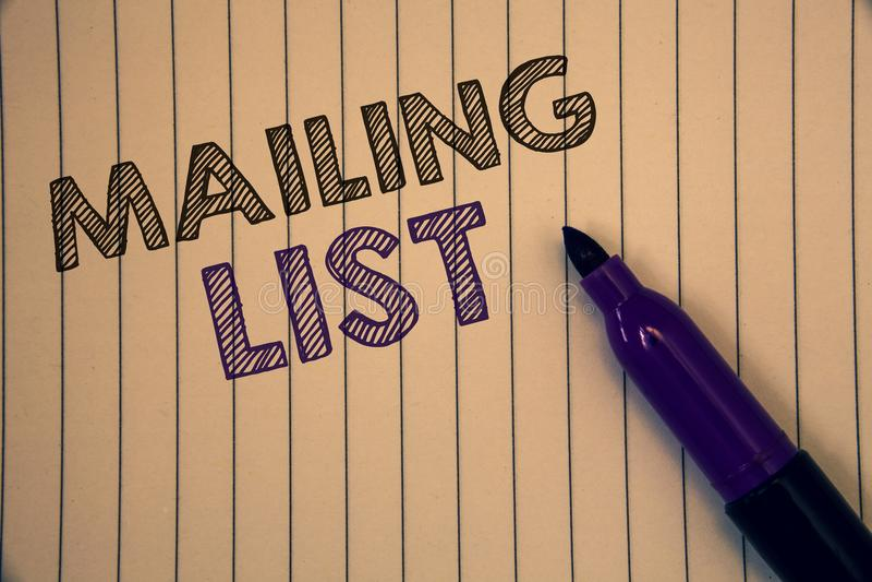 Konceptualny ręki writing pokazuje opancerzanie liście Biznesowe fotografie pokazuje imiona i adresy ludzie ty iść wysyłać somet fotografia stock