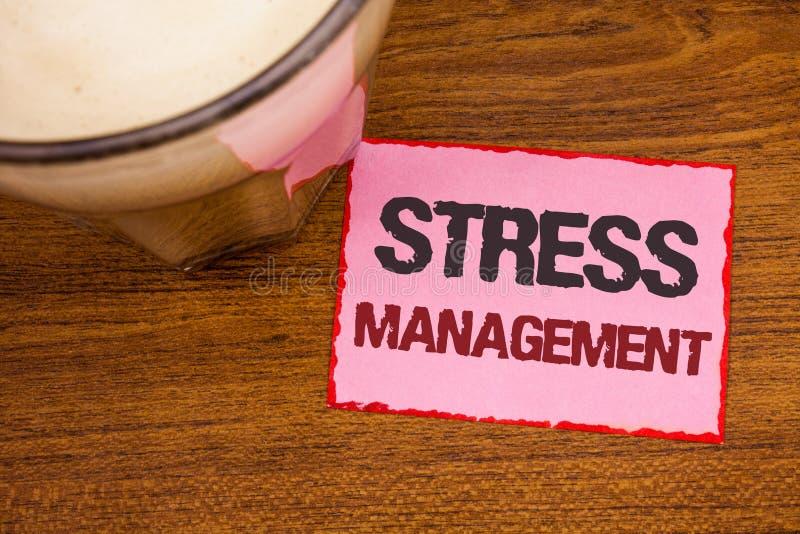 Konceptualny ręki writing pokazuje stresu zarządzanie Biznesowa fotografia teksta medytaci terapii relaksu Positivity opieka zdro obrazy royalty free
