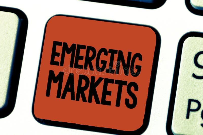 Konceptualny ręki writing pokazuje wschodzących rynek Biznesowa fotografia pokazuje kraju który niektóre właściwości rozwijać sto ilustracja wektor