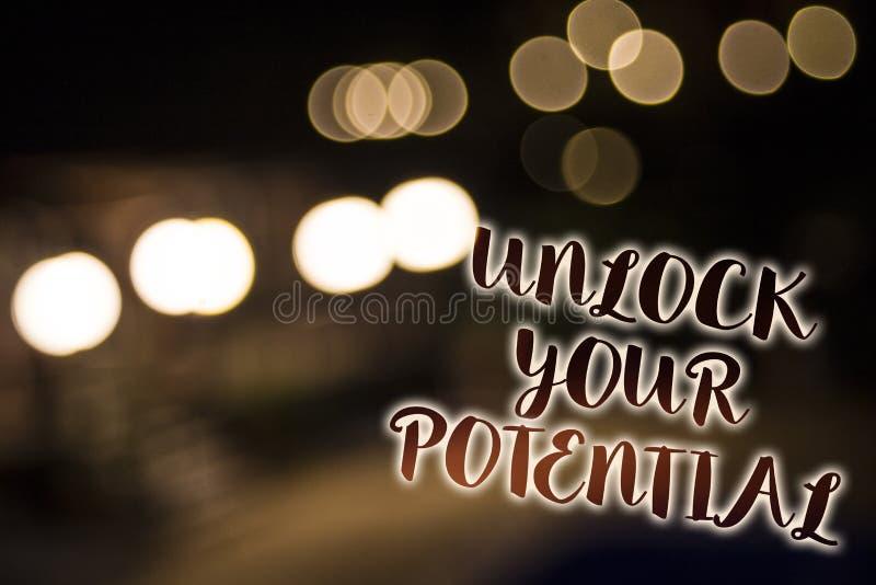Konceptualny ręki writing seans Otwiera Twój potencjał Biznesowa fotografia pokazuje dostęp twój prawdziwe władzy i umiejętności  zdjęcie stock