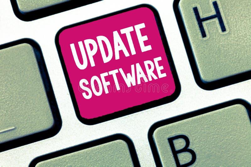 Konceptualny ręki writing seansu aktualizaci oprogramowanie Biznesowa fotografia pokazuje zamieniający program z nową wersją ten  obraz stock