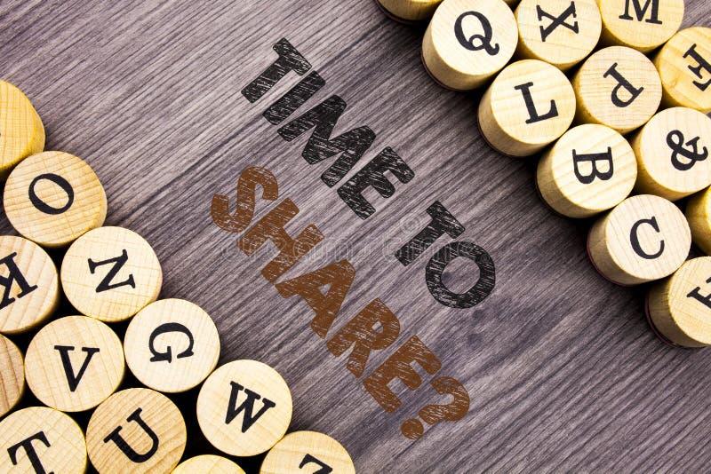 Konceptualny ręki writing tekst pokazuje czas Dzielić pytanie Pojęcie znaczy Twój opowieści udzielenia informacje zwrotne propozy obraz stock