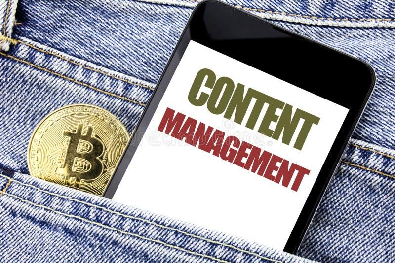 Konceptualny ręki writing teksta podpisu inspiraci seansu zawartości zarządzanie Biznesowy pojęcie dla Cms Online strona internet fotografia stock