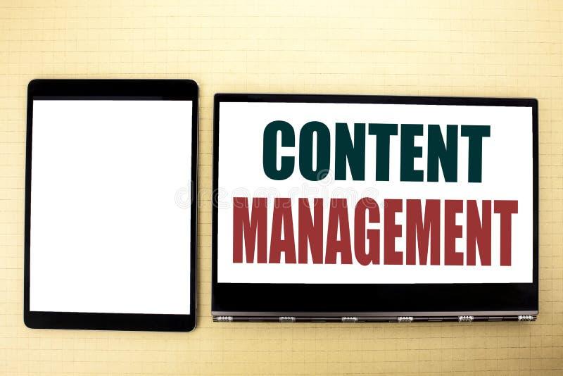 Konceptualny ręki writing teksta podpisu inspiraci seansu zawartości zarządzanie Biznesowy pojęcie dla Cms Online strony internet obraz stock