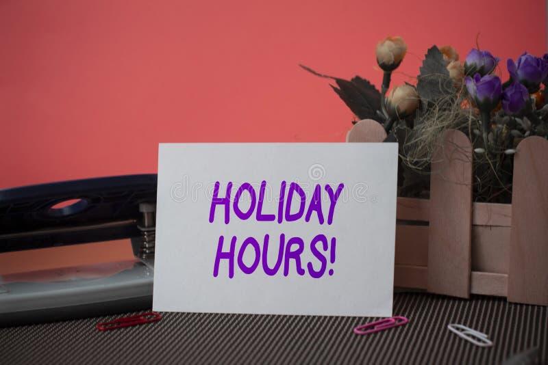 Konceptualny r?ki writing pokazuje Wakacyjne godziny Biznesowego fotografia teksta Nadgodzinowa praca dalej dla pracownik?w pod e obraz royalty free