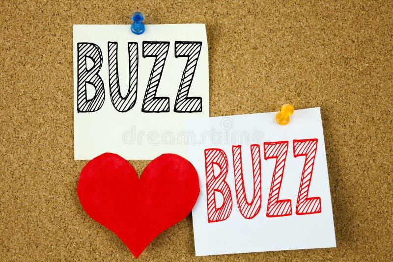 Konceptuell handskrift textinspiration som visar Buzz koncept för Buzz Ordvisning och kärlek royaltyfria foton