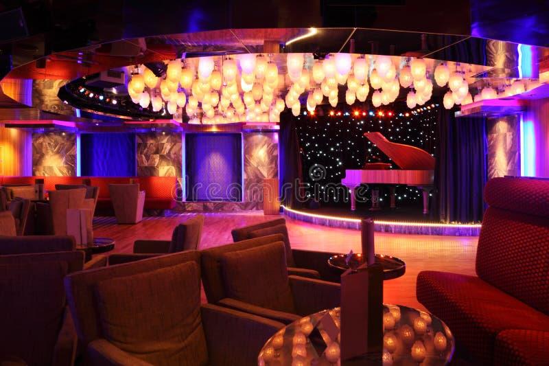 koncertowa uroczystego pianina restauracyjna scena zdjęcie stock