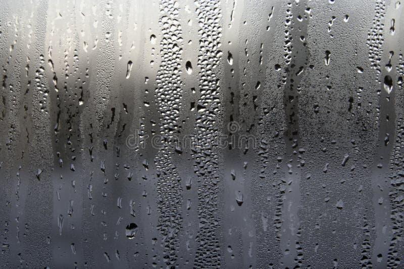 Kondensation auf einem Fenster lizenzfreie stockfotografie