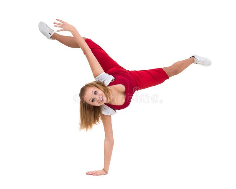 Konditionkvinna som gör övningar som isoleras på oavkortad längd för vit bakgrund arkivbild