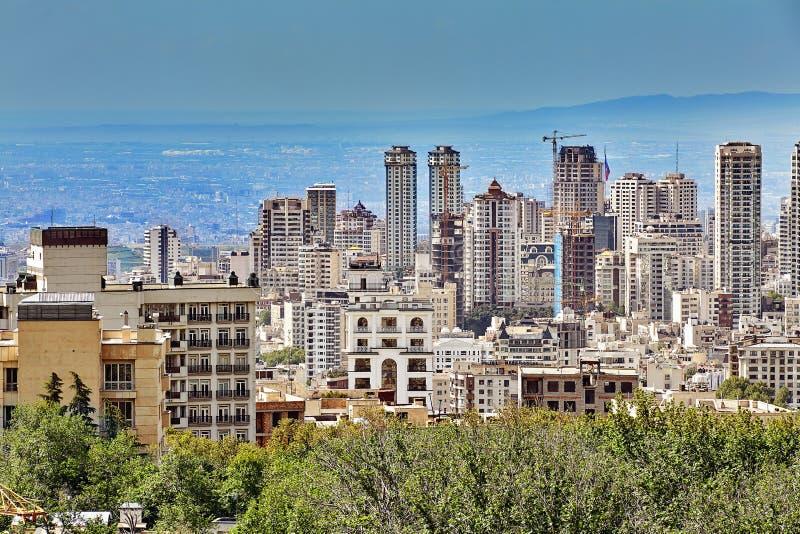Kondygnacja budynki mieszkaniowi w nowym terenie Teheran, Iran obrazy royalty free