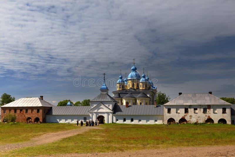 Konevsky kloster på ön Konevets royaltyfria foton