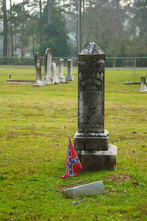 Konfederacyjna flaga przy Gravestone zdjęcie royalty free
