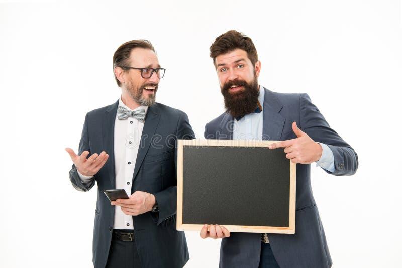 Konferencyjny synchronizować Mężczyzn pomyślni przedsiębiorcy na białym tle Łączy nasz biznesowej drużyny Ludzie biznesu pojęć obraz stock