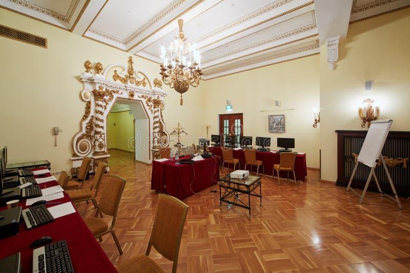 Konferens-korridor Orlikov i hotellet Hilton Leningradskaya fotografering för bildbyråer
