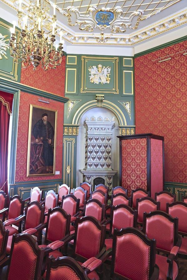Konferenskorridor i inre av den Nyasvizh slotten royaltyfria foton