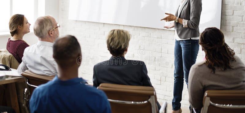 Konferensutbildningsplanläggning som lär coachningaffärsidé arkivfoton