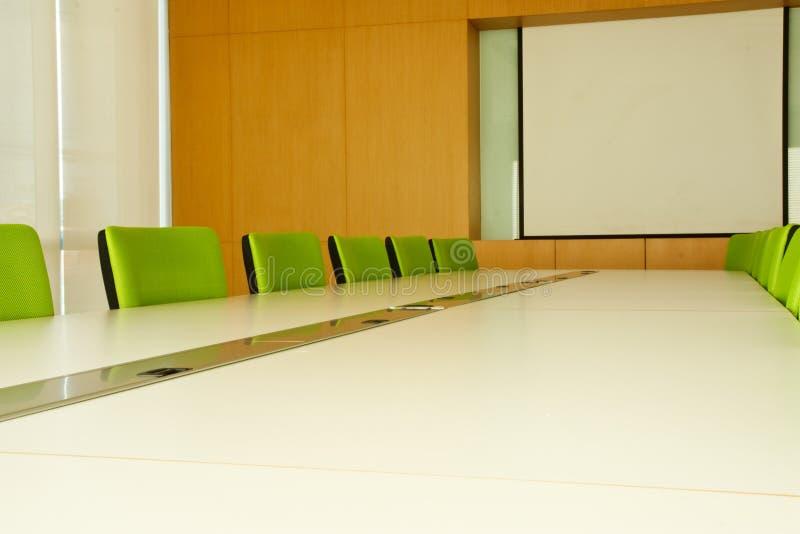 Konferenzsaal im Büro lizenzfreie stockbilder