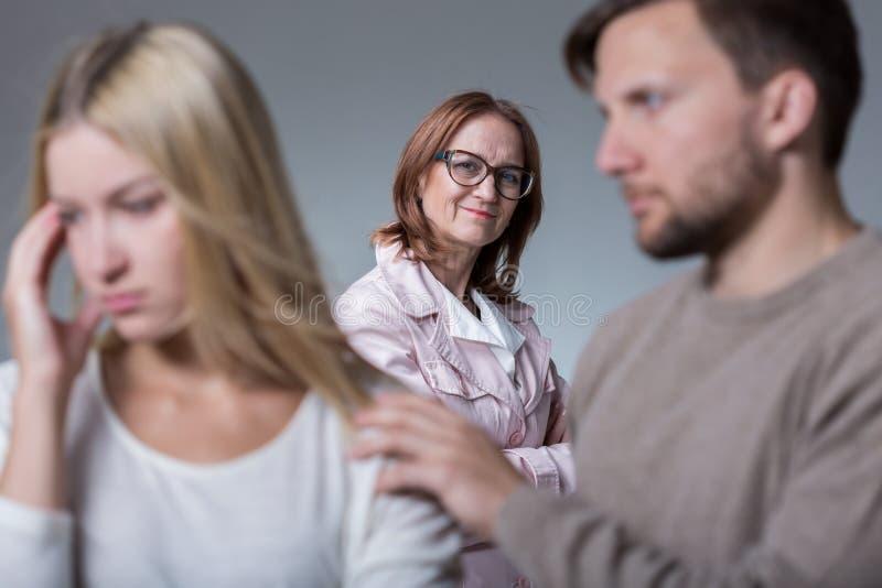 Konflikt zwischen Frau und Ehemann lizenzfreies stockbild