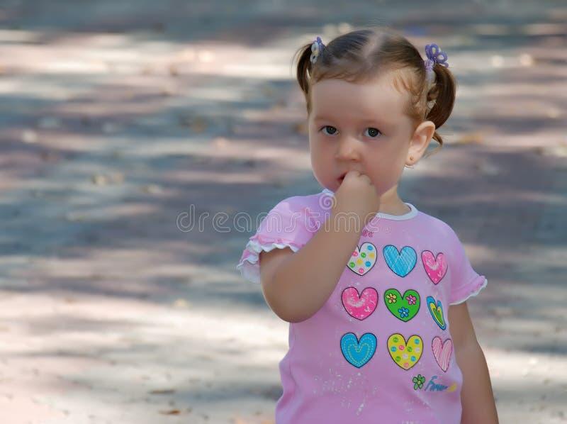 Konfus Mädchen lizenzfreies stockfoto