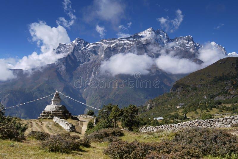 Download Kongde Ri stock photo. Image of mountains, himalaya, trekking - 17023048