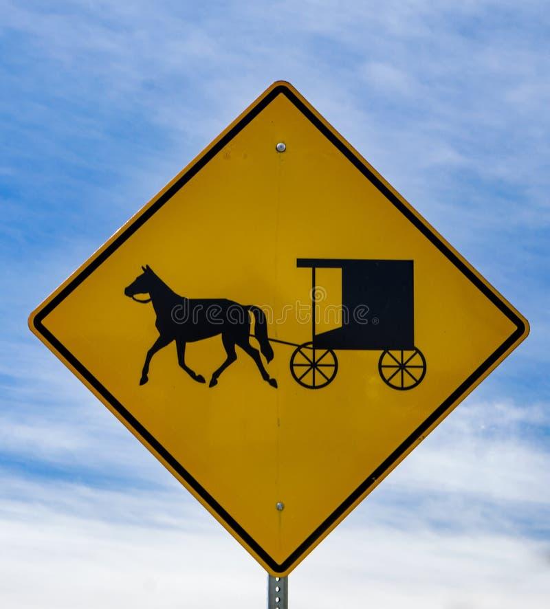 Konia i powozika Szyldowy †'Tuszuje ogród, Virginia, usa fotografia stock