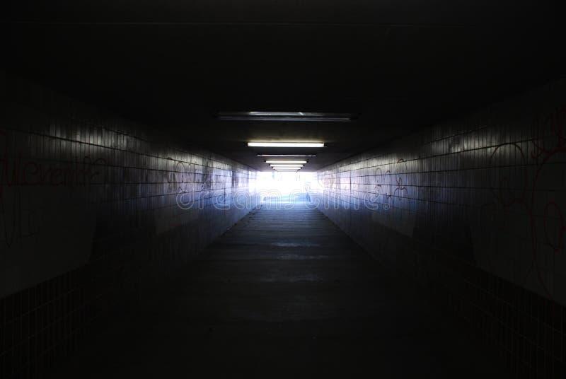 koniec 2 lekki tunelu zdjęcie royalty free