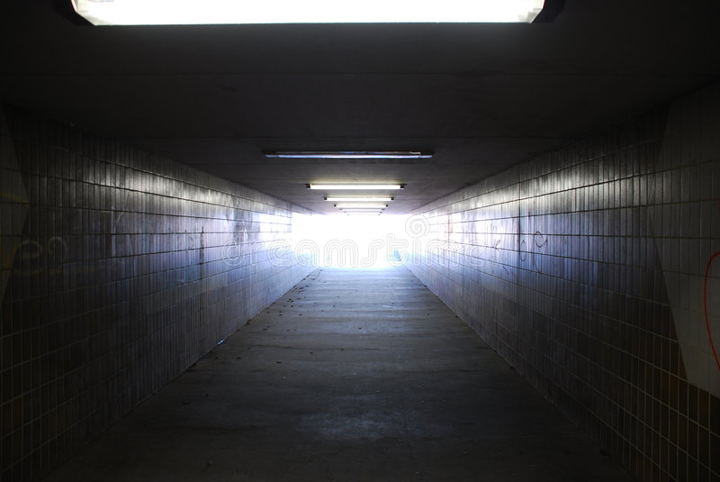 koniec tunelu światła zdjęcia stock