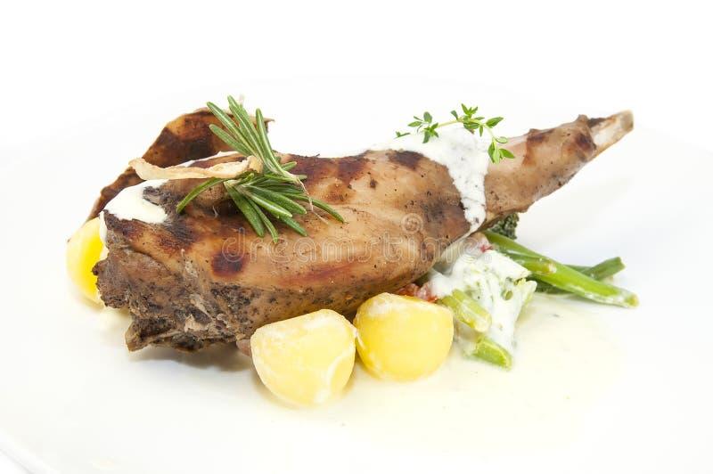 Konijnenvlees en aardappels stock foto's